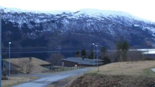 Solrik og byggjeklar tomt for sal på Løkja.