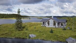 Moderne og praktisk hytte på selveiertomt med flotte solforhold!!